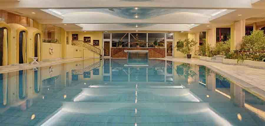 Austria_Bad-Kleinkirchheim_Thermal-spa-hotel-pulverer_thermal-indoor-pool.jpg
